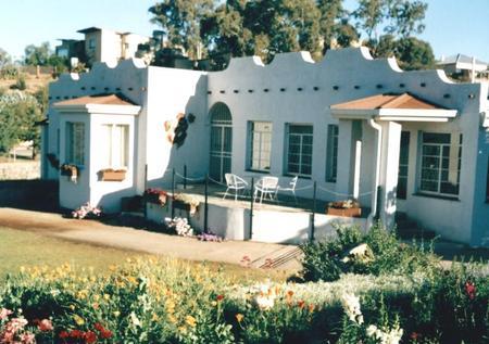 Guinea-Fowl Guest House