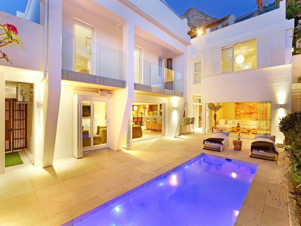 YOLO Spaces : Clifton Private Beach Villa